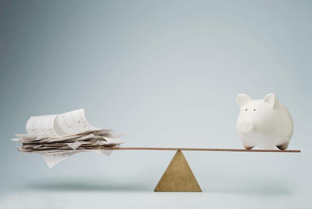 """Stratégie de """"la mise à part de l'argent"""" : Payer moins d'impôts tout en remboursant sa maison plus vite"""